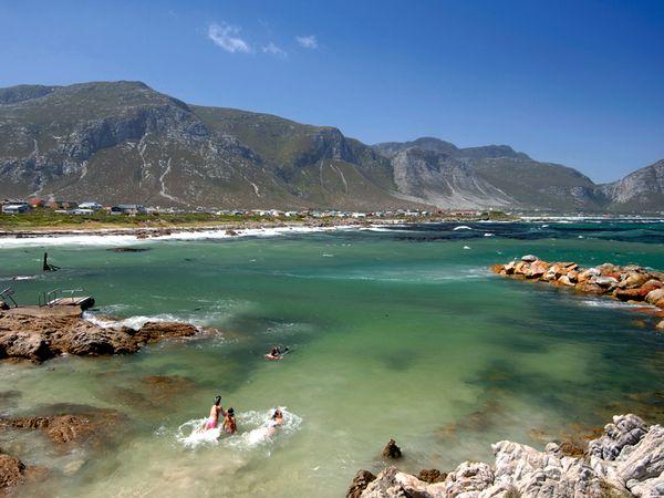 beach-capetown-south-africa_21758_600x450